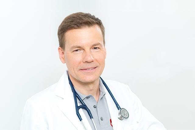 Dr. Robert Vajczik